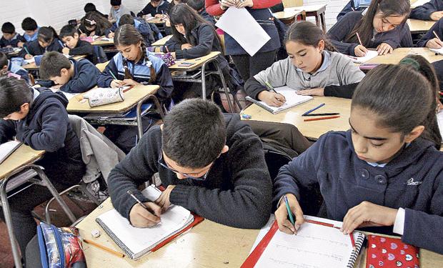 Colegios subvencionados con aranceles superiores a $ 4.800 12