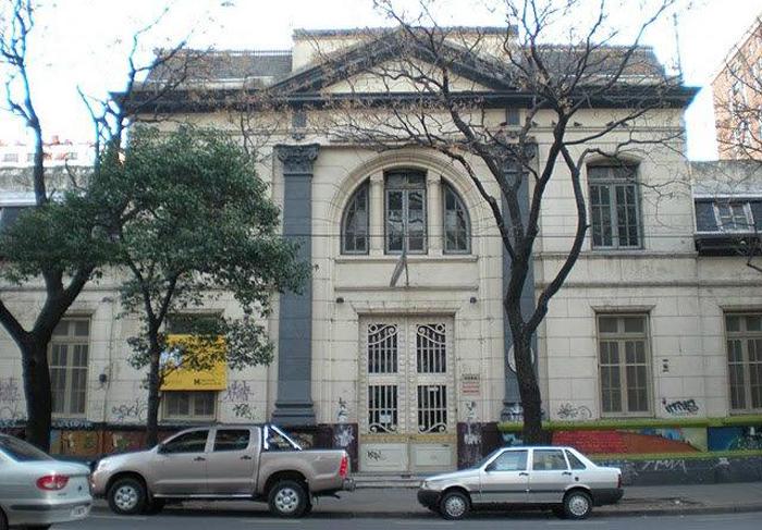 escuela heroes de malvinas en barrio de Belgrano 2
