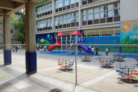 colegio del salvador_patio jardin