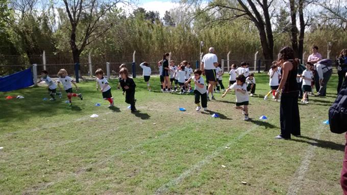 qué aprenden los chicos en educación física_2