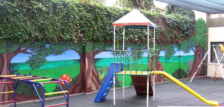 Colegio La Asunción de la Virgen_Olivos_patio jardin