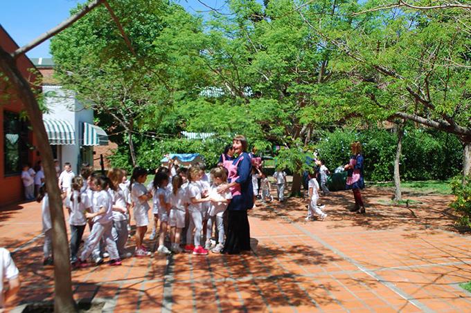 Colegio de Todos los Santos_ Vicente López_patio