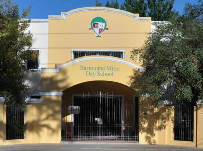Bartolome Mitre Day School_ en Moreno-edificio frente