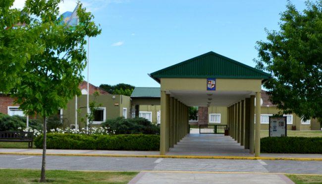 Colegio Los Robles (sede Pilar) 1