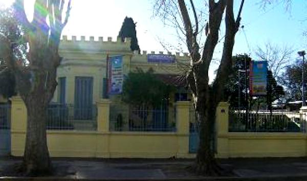 Colegio Modelo Mármol_en José Mármol_4