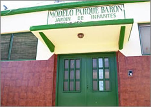 Colegio Modelo Parque Barón_en Lomas de Zamora_2
