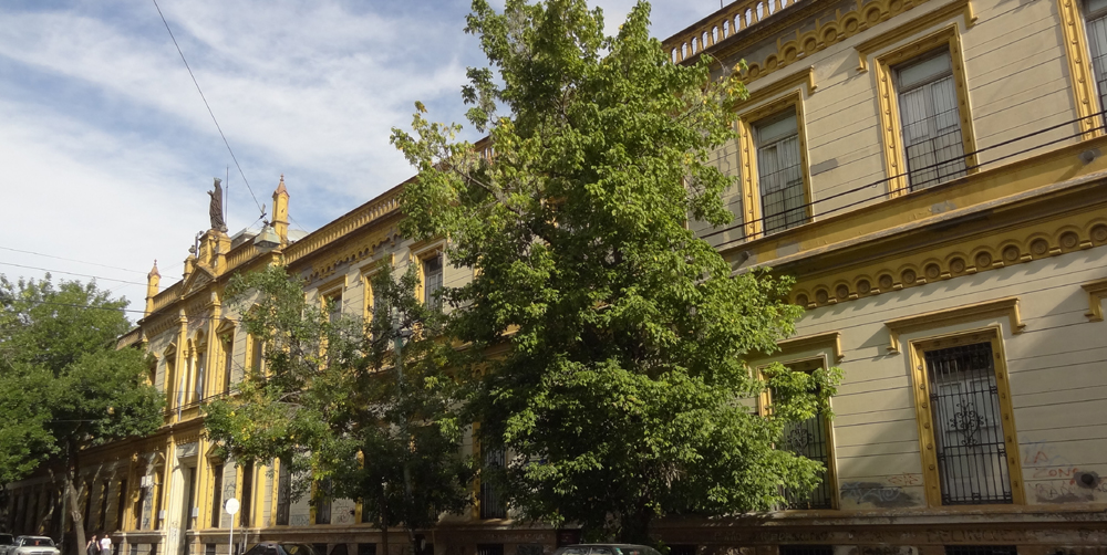 Colegio Santa Felicitas de San Vicente de Paul_en Barracas_frente