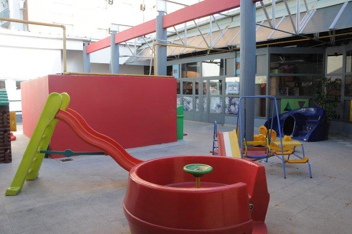 Colegio Santo Domingo_en Ramos Mejía_jpatio jardin de infantes