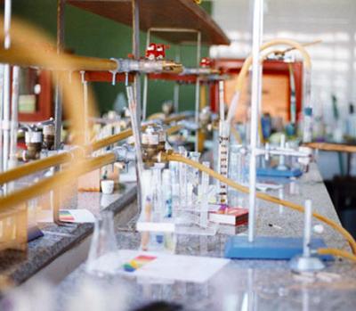 Colegio del Pilar_en Pilar_laboratorio secundaria