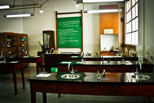 instituto patrocinio de san josé_colegiales_laboratorio