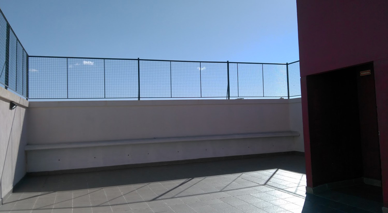 Colegio Baldomero Fernandez Moreno_patio_terraza