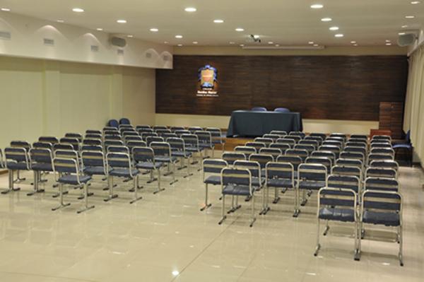 Colegio Benito Nazar_salón conferencias