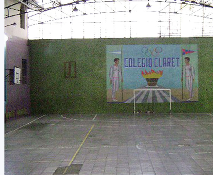 Colegio Claret_en barrio Paternal_patio interno