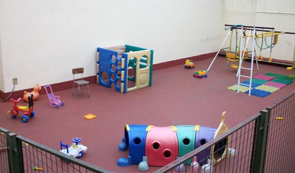 Colegio Perpetuo Socorro_patio jardin de infantes