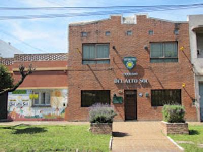 colegio del Alto Sol_en Bernal oeste_9