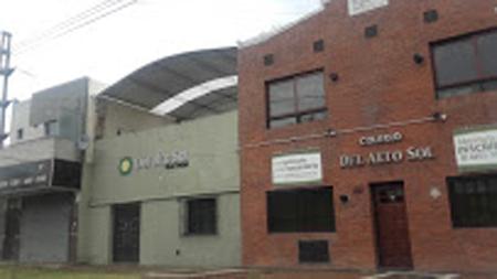 colegio del Alto Sol_en Bernal oeste_edificio
