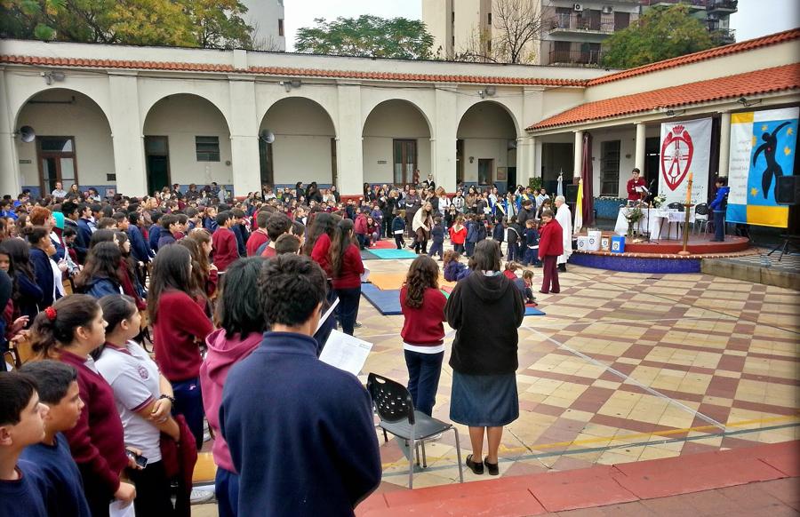 Instituto Nuestra Señora de Luján_patio interno_2
