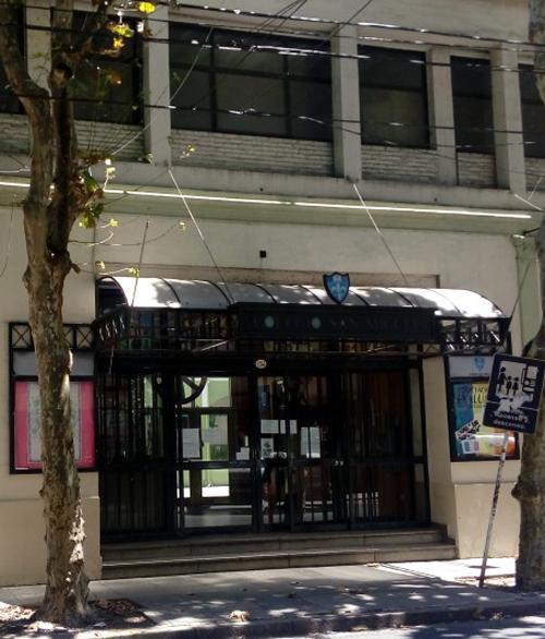 Colegio San Miguel_en barrio norte_entrada