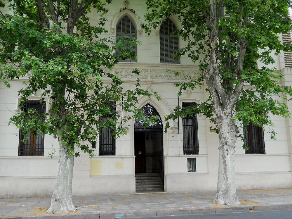 colegio-regina-virginum-adoratrices_edificio