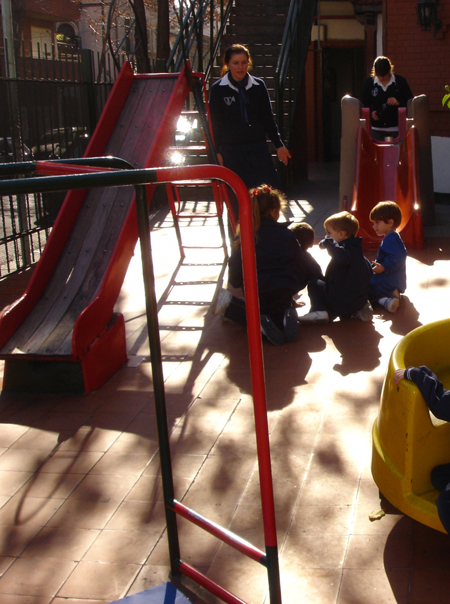 instituto-general-san-martin_en-nunez_patio-jardin-de-infantes