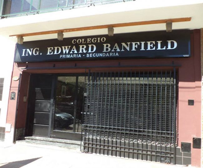 Colegio Ingeniero Edward Banfield 1