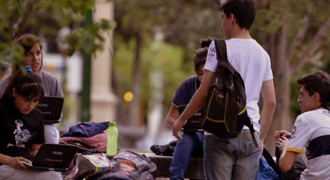 Los jóvenes y la problemática del desempleo 51