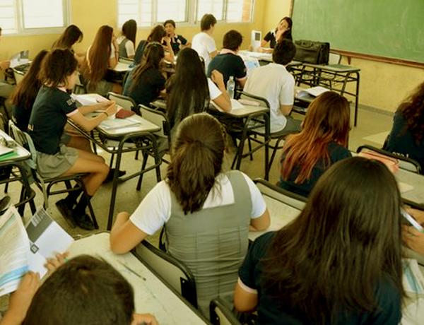 El rendimiento escolar en los colegios privados es superior al de las escuelas públicas 3