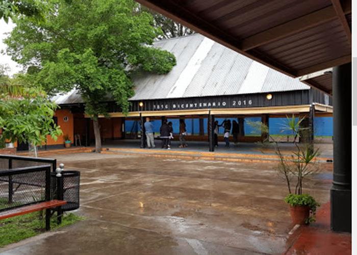 Instituto Rosario Vera Peñaloza 2