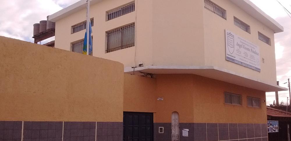 Escuela Angel Vicente Peñaloza 2