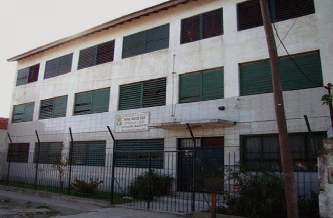 Colegio Nuestra Señora de Itatí (Banfield) 1