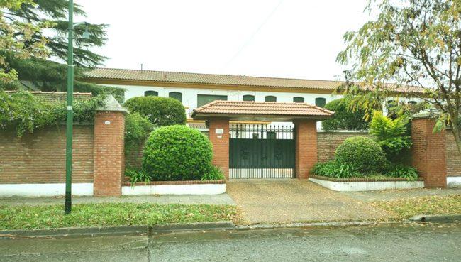 Instituto Santisima Trinidad (Boulogne) 1